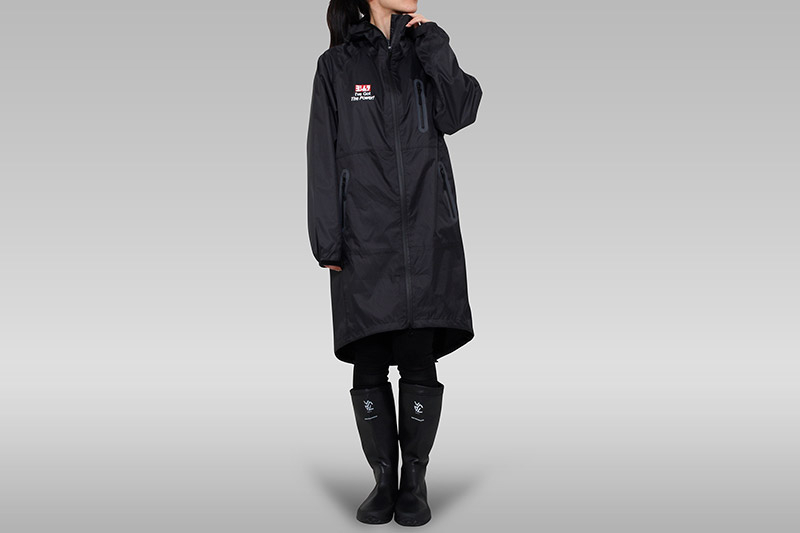 Rainjacket_front_woman